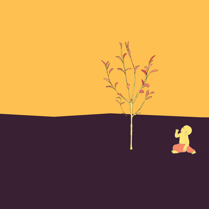 ein Baby schaut einen frisch gepflanzten Apfelbaum an